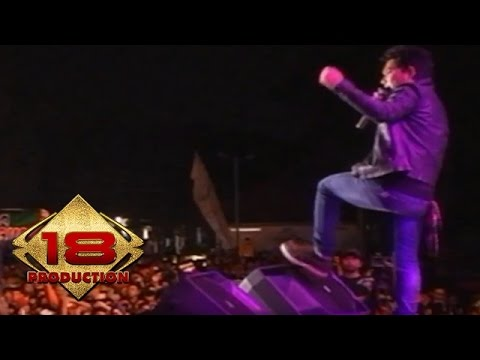 Armada - Ku Ingin Setia  (Live Konser Sidoarjo 21 September 2013)