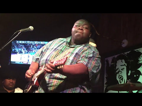 "Kingfish plays Jimi Hendrix's ""Hey Joe"" @ The Blue Canoe in Tupelo, MS"