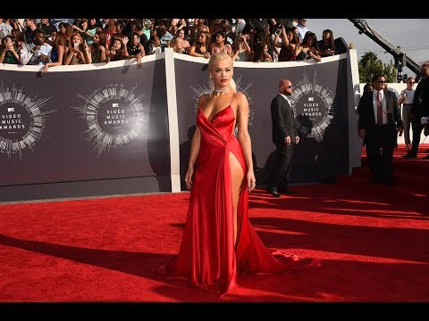 rita-ora-sexy-plunging-red-high-slit-prom-dress-vma-2014-red-carpet