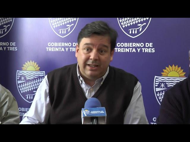 EL INTENDENTE DEPARTAMENTAL RECIBIO AL MINISTRO DE AMBIENTE ADRIAN PEÑA