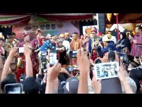 Atraksi Sultan Iskandar Mahmud Badaruddin (Sultan Palembang Darussalam)