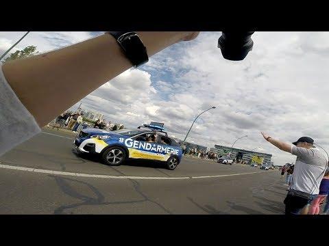 Passage de la caravane publicitaire du Tour de France [GoPro]