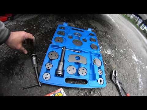 Vectra C rear brake pad replacement