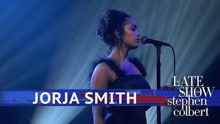 Download Jorja Smith Performs 'Don't Watch Me Cry' Mp3 and Videos