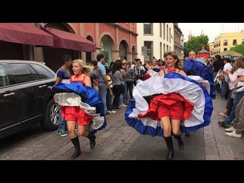 Desfile Comunidades Extranjeras Querétaro 2016 México