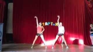 Короткий Мощный Танец!!!!(Подростки по 13 лет!!! И вот эти две танцующие близняшки никого вам не напоминают??? .P.S. в конце не забудьте..., 2012-10-08T12:26:51.000Z)