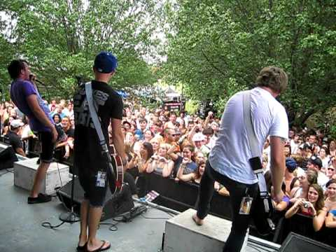 Mercy Mercedes - The Perfect Scene LIVE at Warped Tour