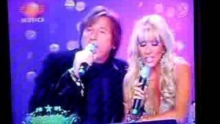 Ricardo Montaner canta con Yuri en Noche de Estrellas