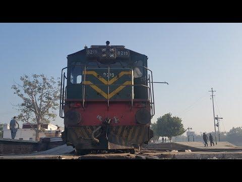 Pakistan Best Train || Timelapes Train Journey || Hyderabad To Karachi || Pak Business Express