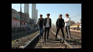 The Kooks - The Saboteur - Lyrics on screen