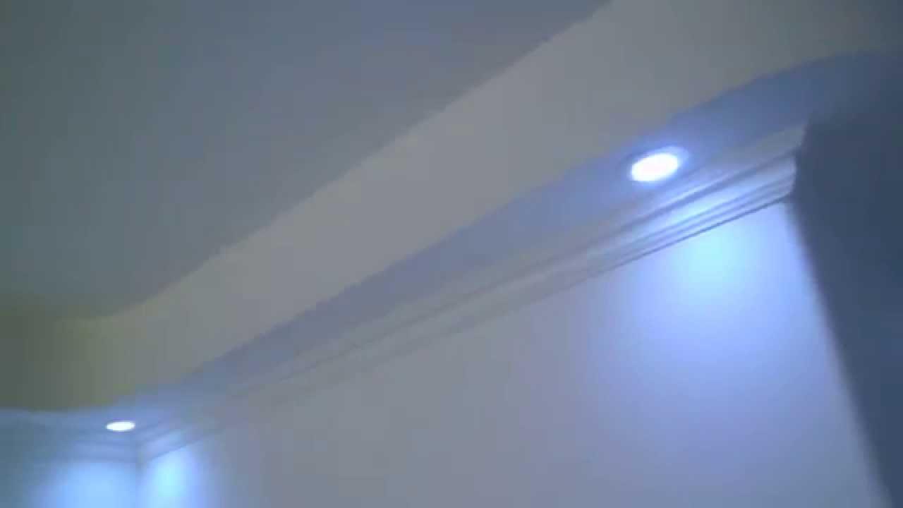 Techo Drywall con Falsa Columna y Molduras Decorativas