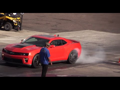 2014 Nissan Gtr Vs Camaro Zl1 Youtube