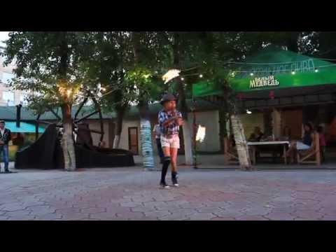 Выступление Екатерины Дюймовочки Тычинской в летнем ресторане Восточный квартал