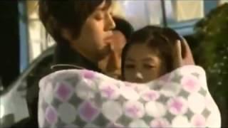 Besos detras de cámaras -playful kiss