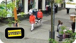 Ambulanz | Kurierdienst - Comedystreet mit Simon Gosejohann