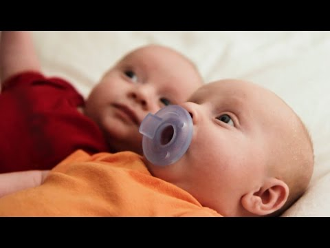twins-conceived,-born-after-mom's-robotic-surgery