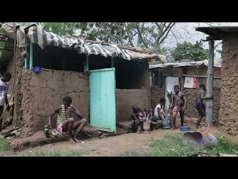 Poor African Family Dancing To Minimal by Wizkeeber mAsk New Ugandan Music 2015 HD DjDinTV