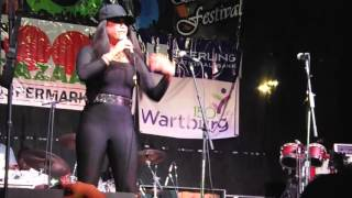 WE GOT A LOVE THING-LIVE-2015 CECE PENNISTON