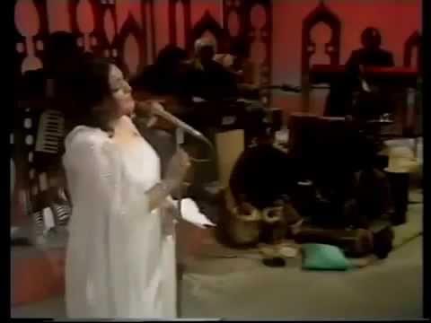 Malika Taranum Noor Jehan Live! Muj Se Pehli Si - Faiz Ahmed Faiz