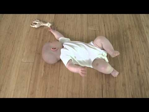 Урок Фельденкрайза от малышки Лив
