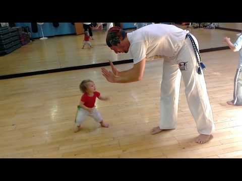 Capoeira Baby Amendoim