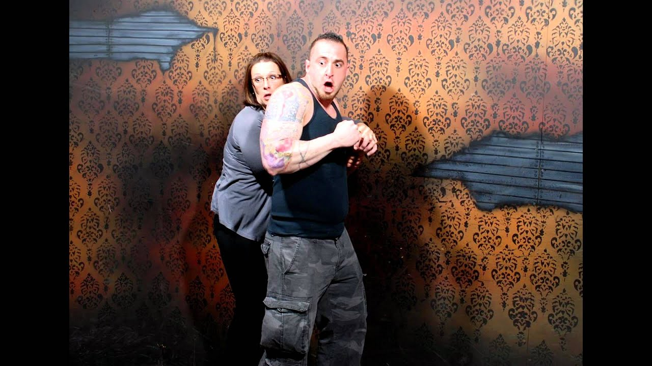 50 hilariously ridiculous haunted house reactions - 50 Hilariously Ridiculous Haunted House Reactions 43