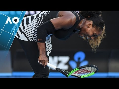 Serena Williams destroys racquet early in final | Australian Open 2017