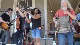 071 Sons of Mudboy & Sharde Thomas When I Lay My Burden Down Live at Shangri La Records