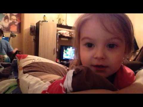 Прикол..)маленькая девочка посылает маму в жопу!