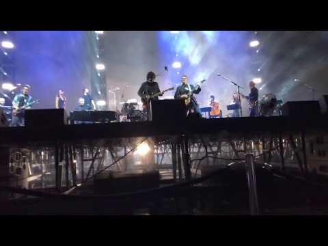Jeff Lynne's ELO LIVE Sheffield UK -- Standing In The Rain -- FRONT and CENTER