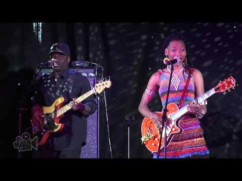 Fatoumata Diawara - Oumou (Live at Sydney Festival)   Moshcam