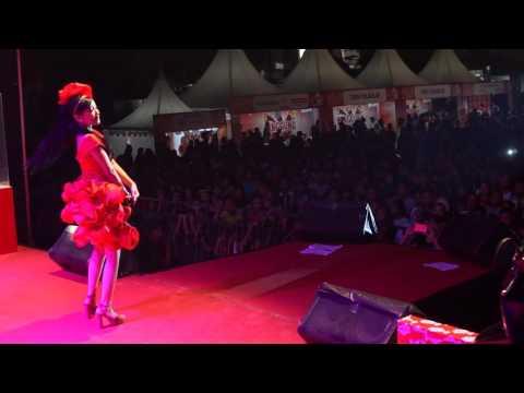 Melanie Mooi   Goyang Dumang live