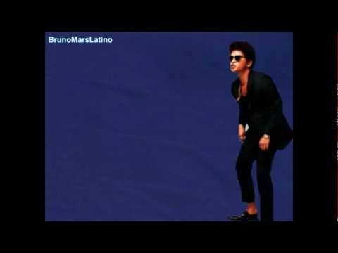 The other side - Bruno Mars ft Cee Lo Green & B.O.B (Traducida al español).