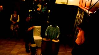 How to learn to play african drums