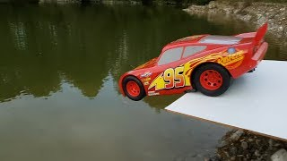 Toy Cars Slide Dlan play Sliding Cars Jump into Water