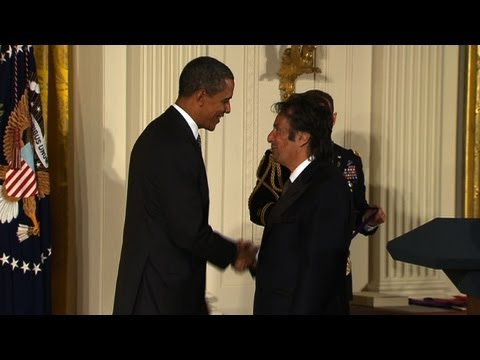 Obama awards Al Pacino the National Medal of Arts