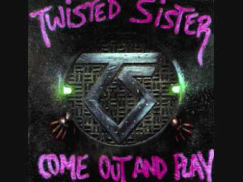 Клип Twisted Sister - Out On The Streets