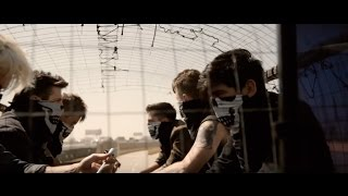 Смотреть клип Crown The Empire - Machines