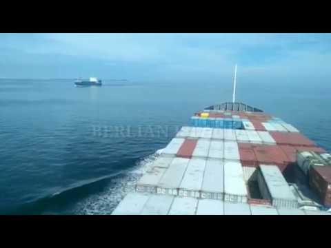 Under Way - Berlayar Ke Pelabuhan Berikutnya...