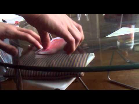 Tour de magie la carte retrouv e qui passe a travers la table youtube - Tour de magie table volante ...