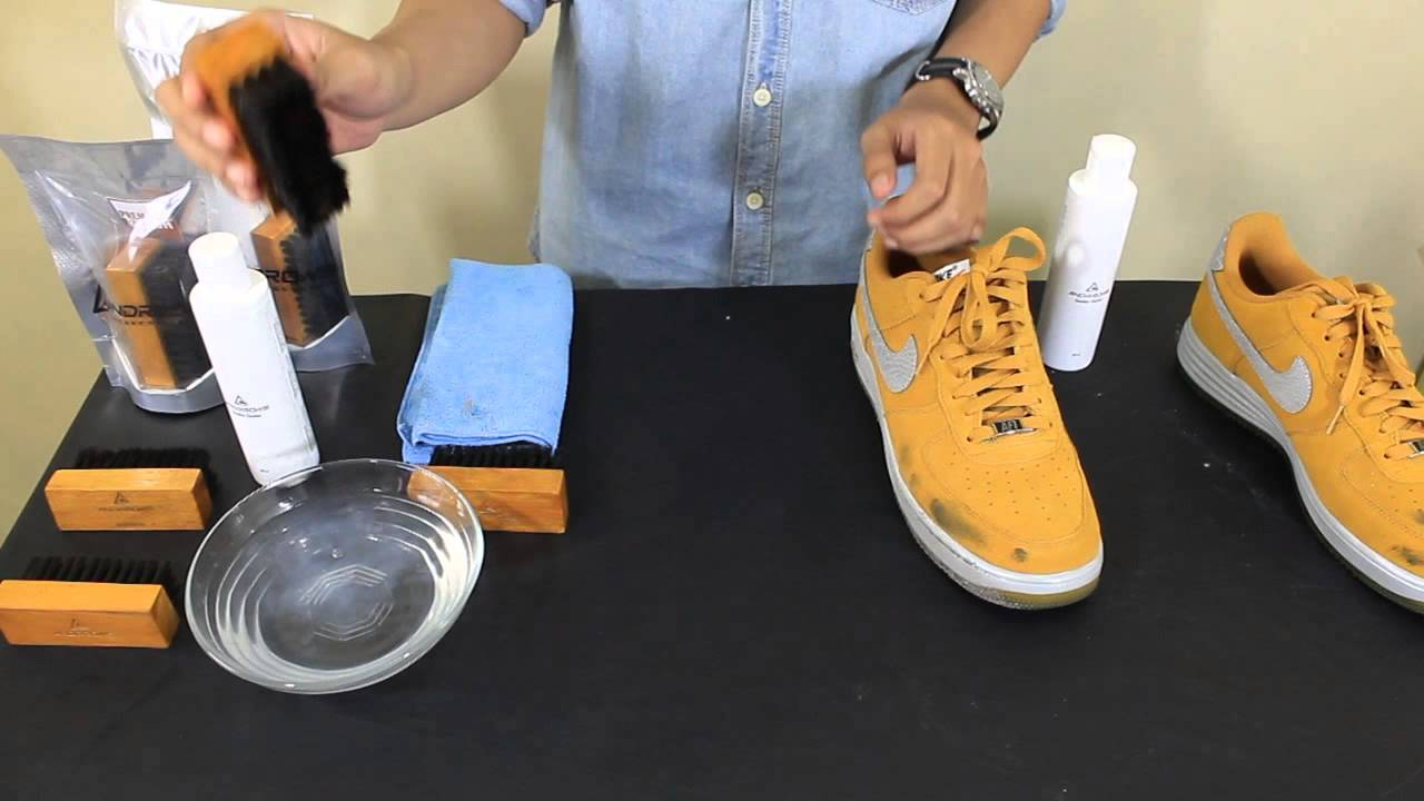 4aba7995ad6 Andrrows - How to clean suede or nubuck - YouTube
