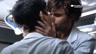 Grey's Anatomy 15x08 Intern Glasses (Schmitt) and Dr Nico Kiss and Make Out in Ambulance