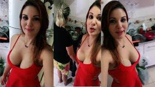Desi Indian Hot & Sexy Bhabhi Show Her Big Boobs and Bra On Camera HD