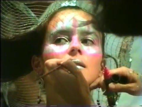 Hairs Mod's, coiffure. Défilé sur la place du village (Juillet 1991)