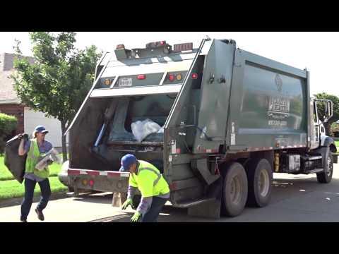 Duncan Disposal Mack Granite GU813 Heil 5000 Rear Loader
