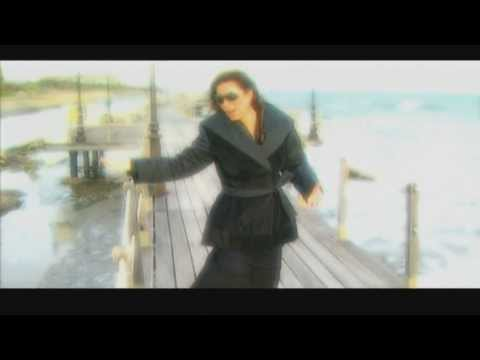 Angela Dimitriou - Ti na tin kano tin agapi sou (Official Clip) + Lyrics