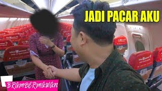 Video NEMBAK PRAMUGARI CANTIK LANGSUNG KLEPEK KLEPEK - BRAM DERMAWAN download MP3, 3GP, MP4, WEBM, AVI, FLV September 2018