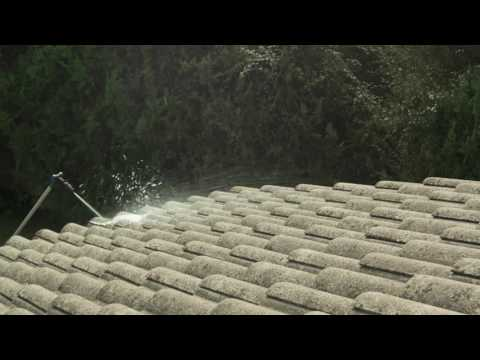 Demonstration of how to use Nilfisk roof cleaner