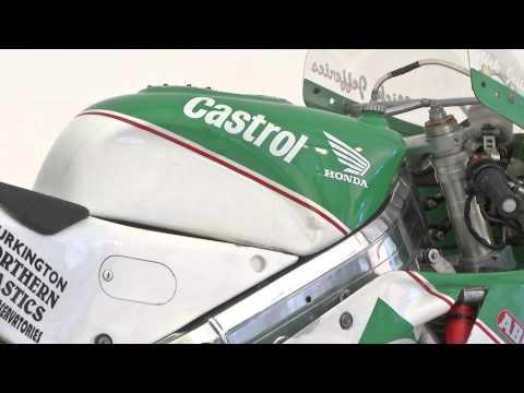 Great Racing Motorcylces - Honda RC30 - Nick Jefferies - Isle of Man TT - HD