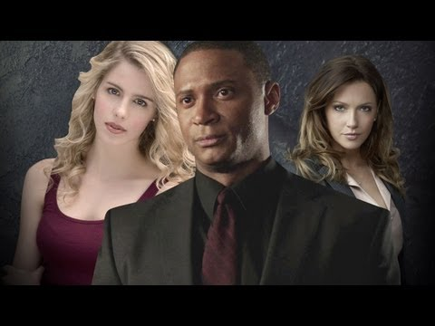 Arrow : Katie Cassidy, David Ramsey, Emily Bett Rickards, Greg Berlanti  Comic Con 13